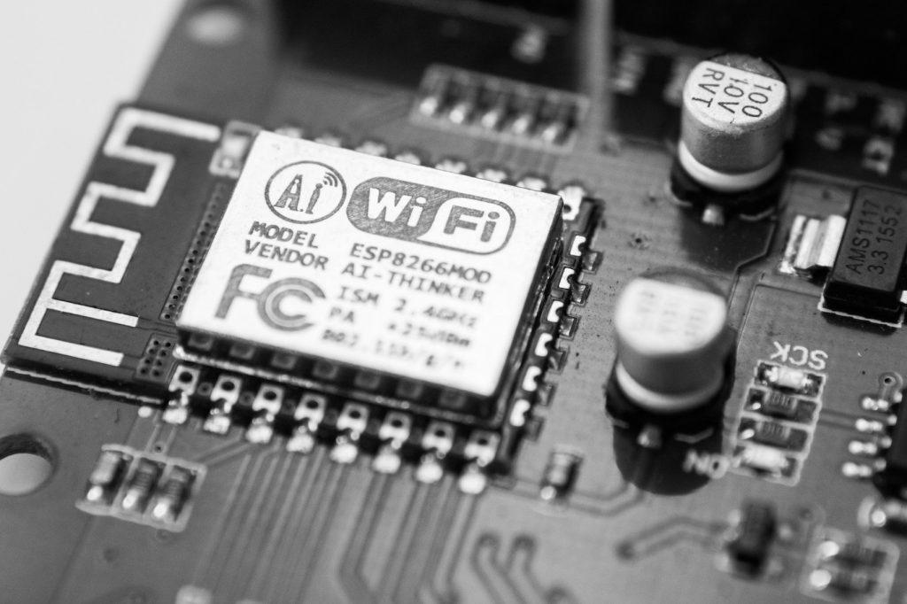 【初心者向け】モバイルWi-FiとポケットWi-FiとクラウドWi-Fiの違い